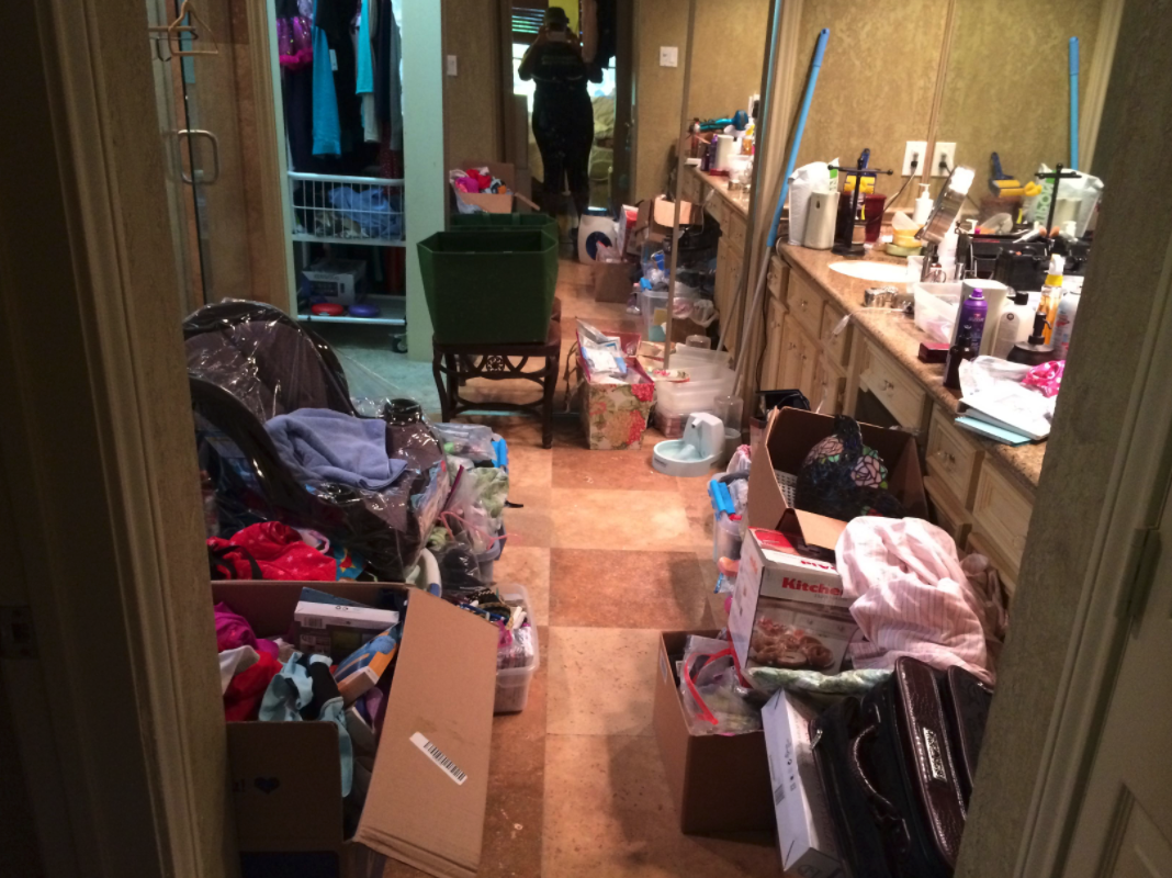 cluttered messy bathroom